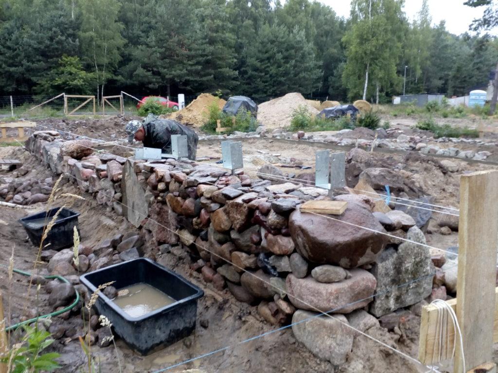 Fundament Z Kamienia Polnego Dom Z Gliny